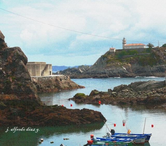 Puerto de Cudillero y faro